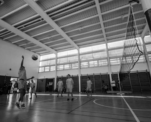 Jóvenes jugando - Actividades deportivas extraescolares